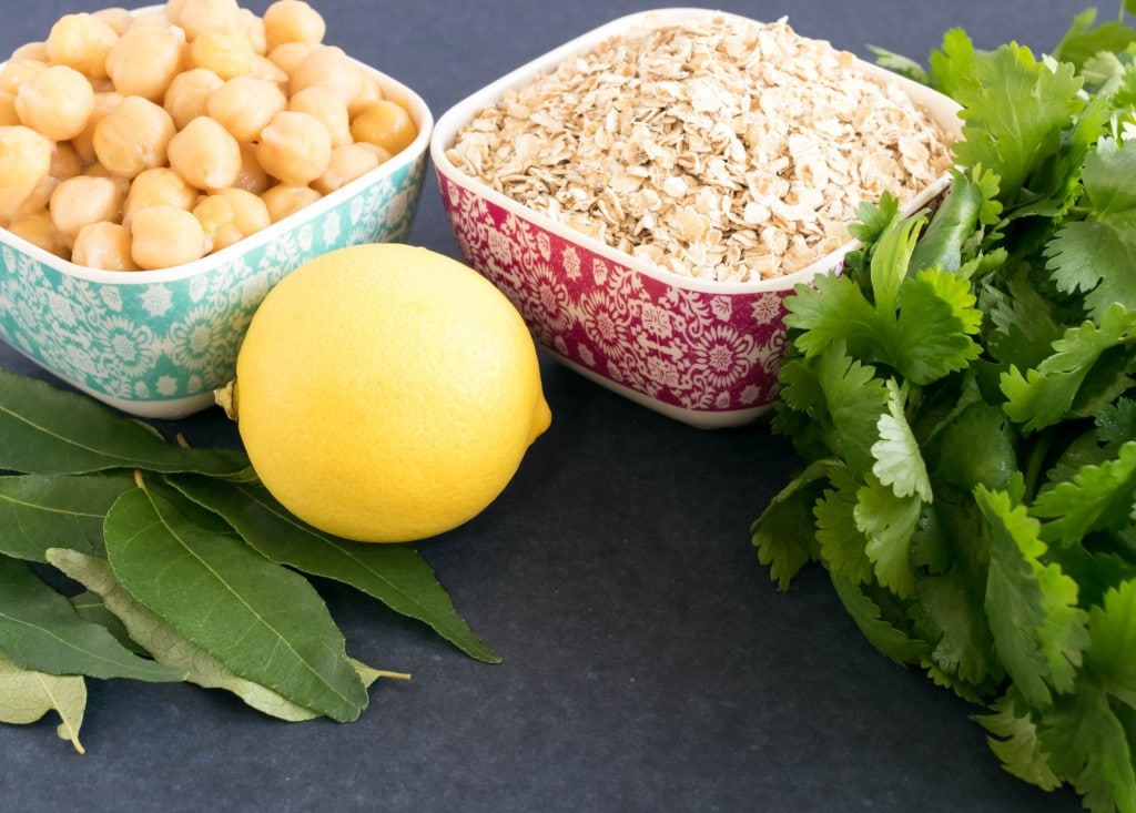 Ingredients for oats and chickpeas pilaf