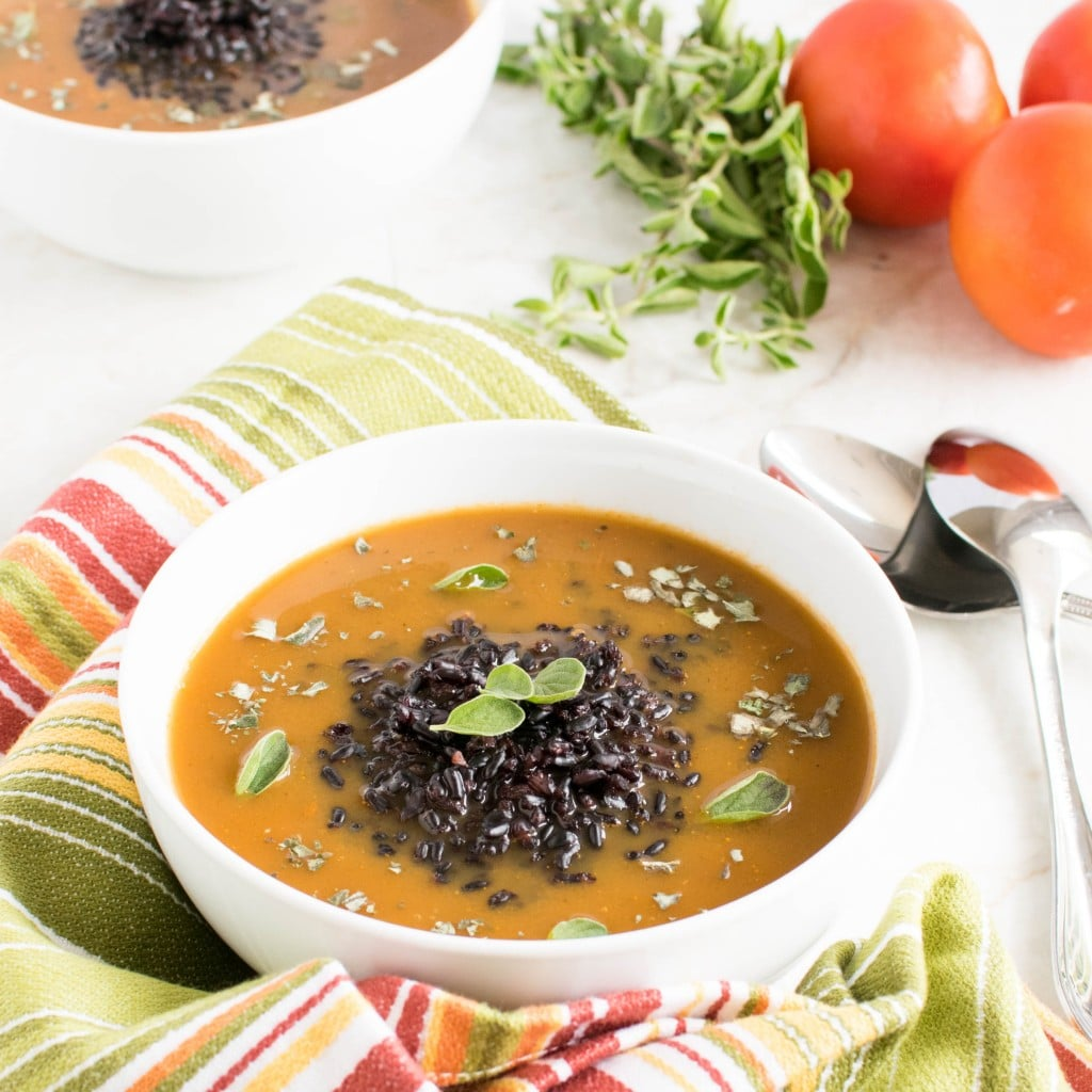 Herbed Black Rice Soup | Antioxidat and iron rich vegan and gluten free meal perfect for your healthy diet regime | kiipfit.com