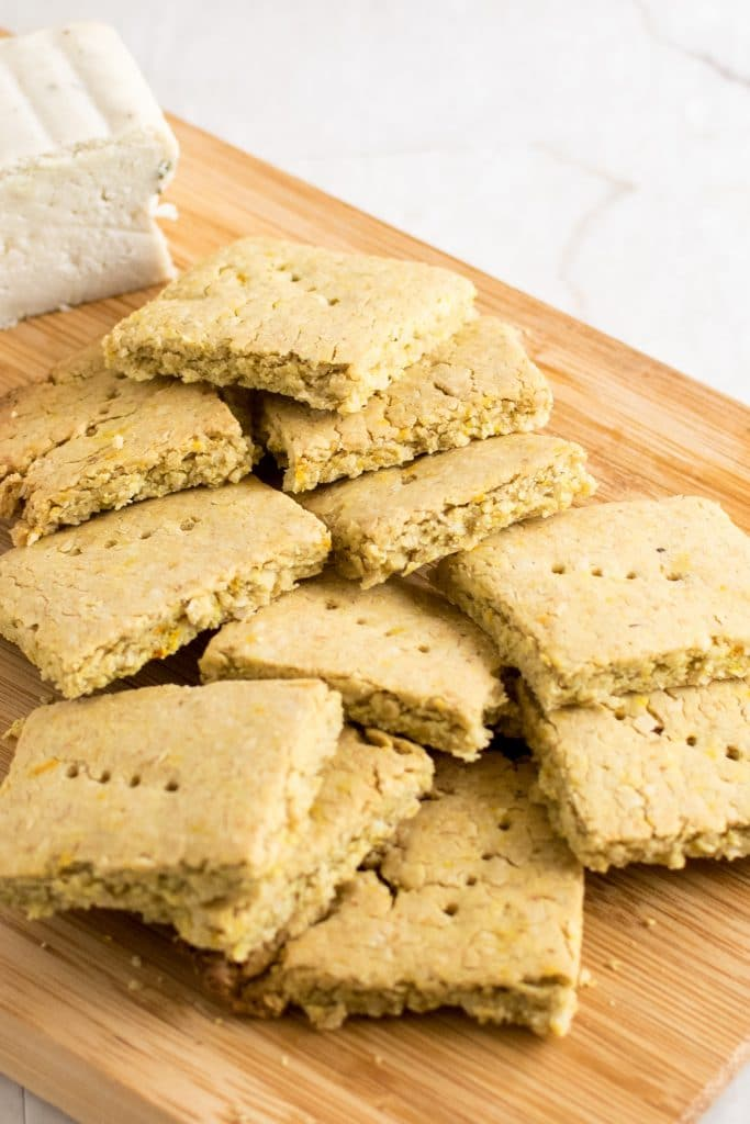 A close view of Vegan Cheese Turmeric Oats Crackers
