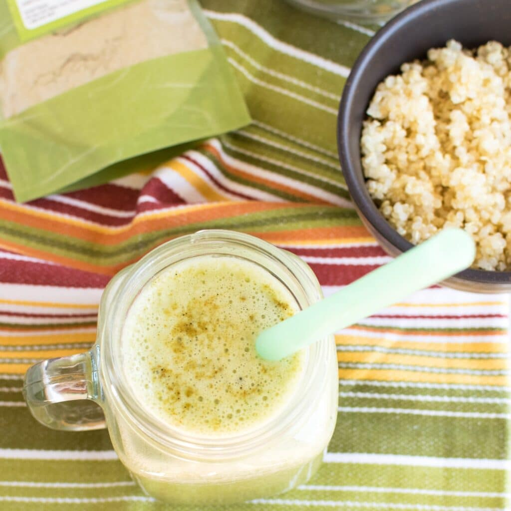 Top view of Green Papaya Powder Spinach Quinoa Smoothie