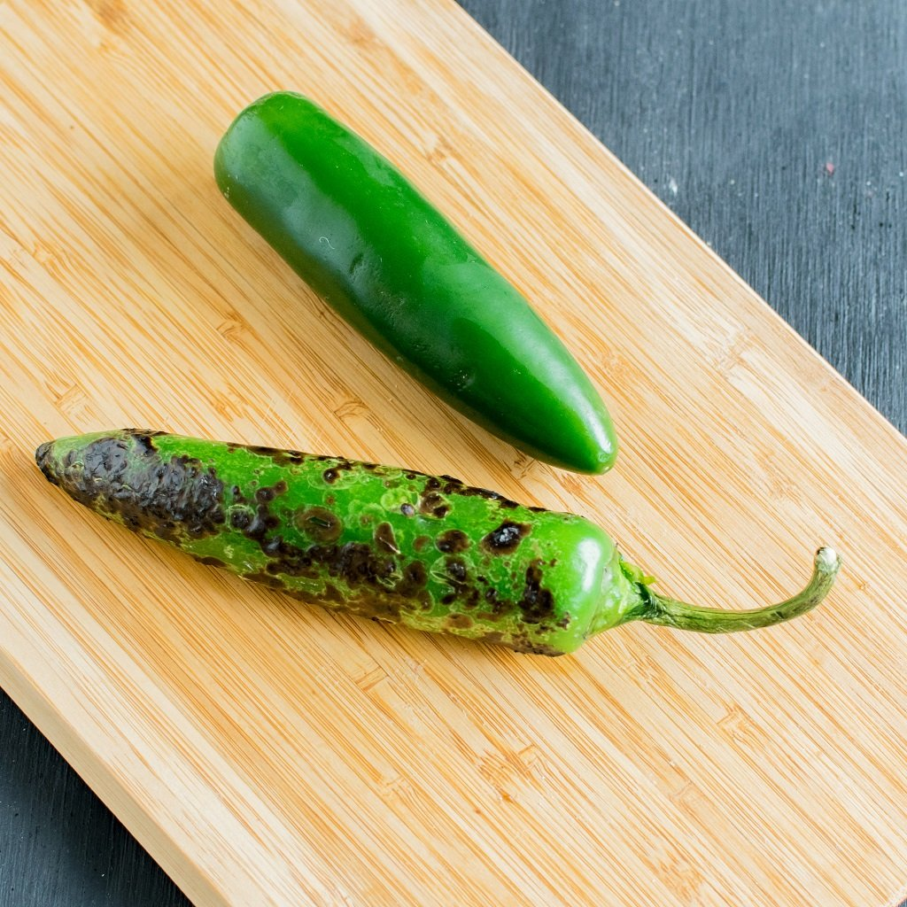 Fire Roasted Jalapeno Dip is thick, creamy and versatile that can be used as a spread for sandwiches, as dressing on salads or as a dip . This easy vegan and gluten free dip requires only 5 ingredients and 12 minutes | kiipfit.com