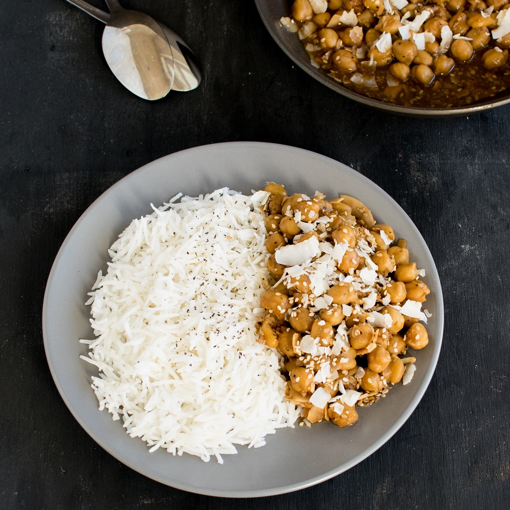 Top view of Garlicky Sesame Chickpeas with Coconut