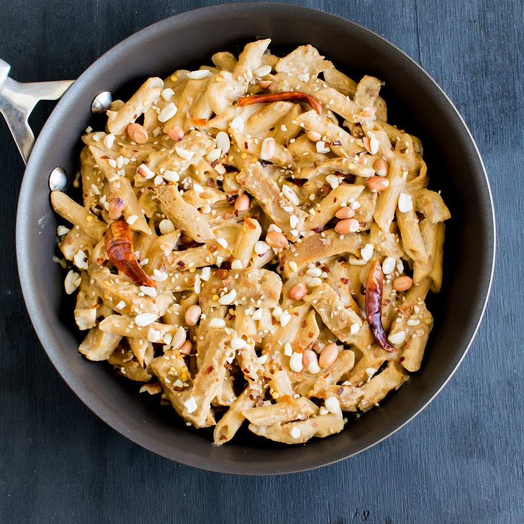 Seitan and Pasta in Spicy Peanut Sauce is a vegan, creamy, hot, protein rich and sets your taste buds on fire if you are someone who loves spicy food | kiipfit.com