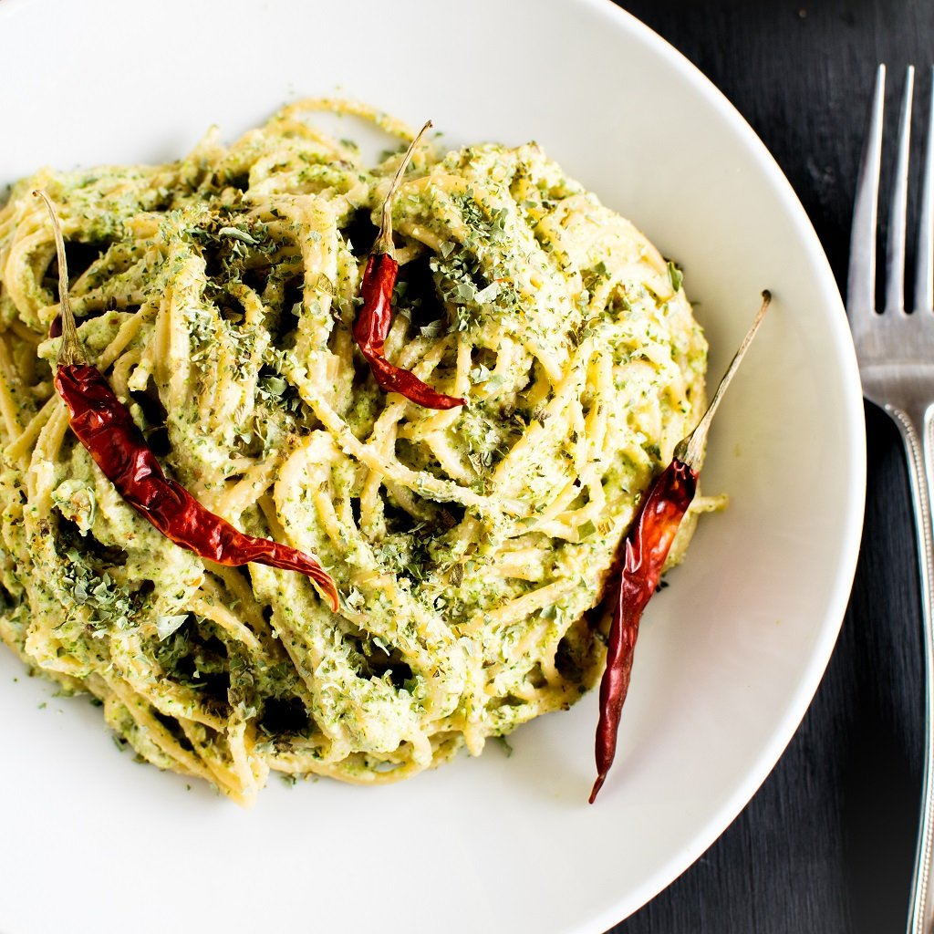 Spicy Garlic Spaghetti in Broccoli Cheese Sauce is simply outstanding in taste and excellent in presentation. Its flavors and aroma is absolutely unforgettable. This dish is loaded with spices and herbs and definitely leaves you satisfied [ vegan ] kiipfit.com
