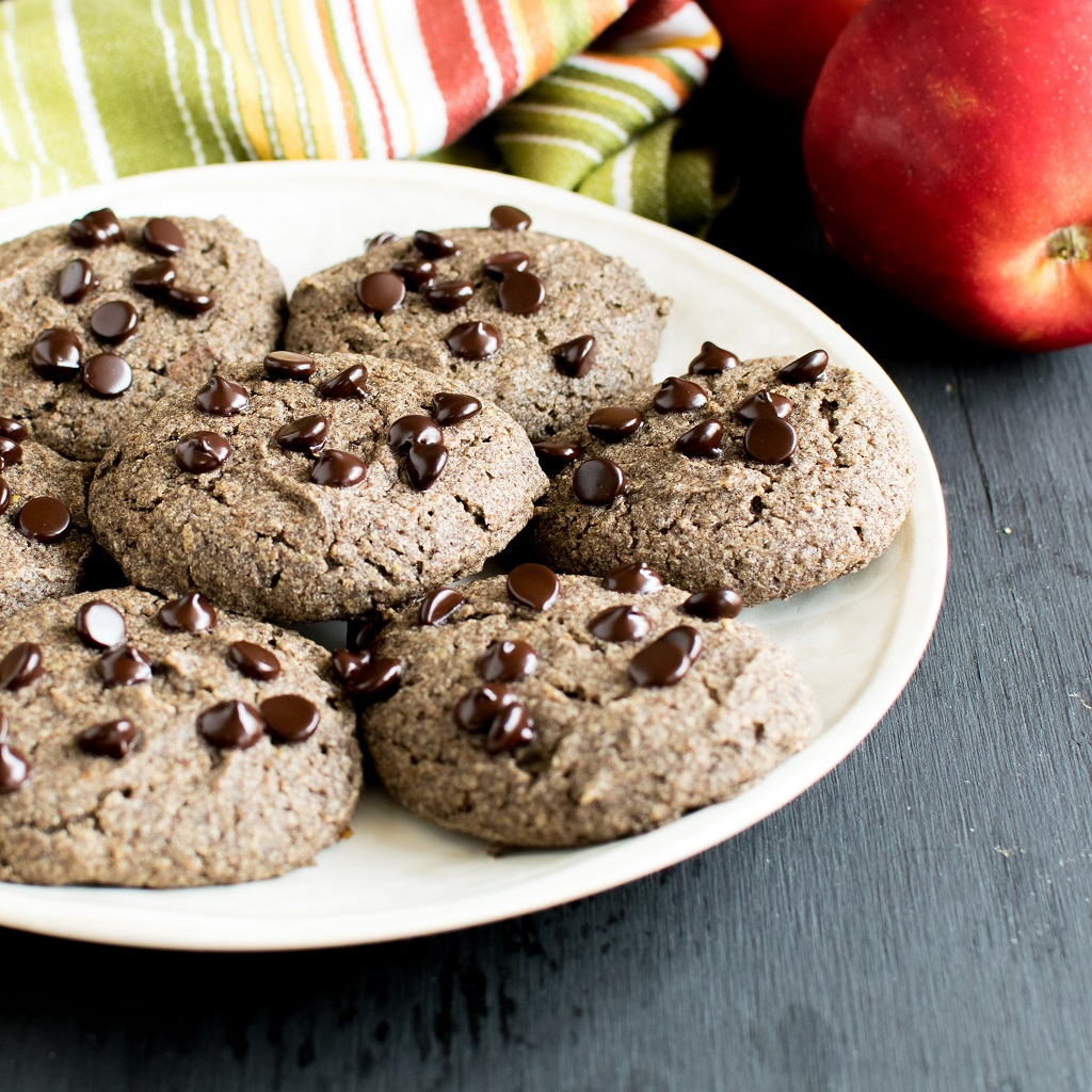 Apple Buckwheat Chocolate Chip Cookies are tender, moist and packed with a variety of nutritious flavors. These cookies made out of fresh and juicy apples, whole grain buckwheat flour and some vegan chocolate chips. I bet you have never eaten cookies like these before. These cookies are absolutely guilt free and kids' friendly too [ vegan + nut free + oil free ] kiipfit.com