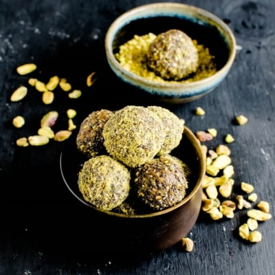 3 Ingredient Pistachio Chia Energy Bites are chewy, satisfying and a nutritious snack for all ages. It serves well as an evening or a pre - workout snack. Even kids can happily devour these beautiful and flavorful bites. These bites are a great after school fiber rich snack. It's a great source of delight and nutrition with only 3 ingredients [ vegan + gf + paleo ] kiipfit.com
