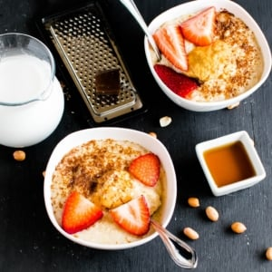 Peanut Butter Quinoa Flake Porridge is my favorite go to breakfast any day. It perfectly suits most types of diet and is an awesome alternative to oats. This porridge is creamy, thick, buttery,nutritious and kid friendly [ V + GF ] kiipfit.com