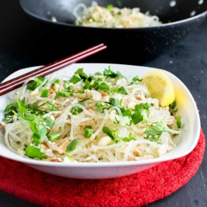 Sesame Peanut Kelp Noodle Stir Fry Salad is a nutritious and low carb savory side dish. It serves excellent as a side salad or in fresh rolls. These are absolutely gluten free and are a great substitute to traditional noodles | kiipfit.com