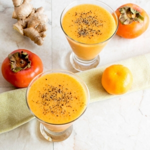 The top overview of the set up of Immune Boosting Persimmon Ginger Smoothie