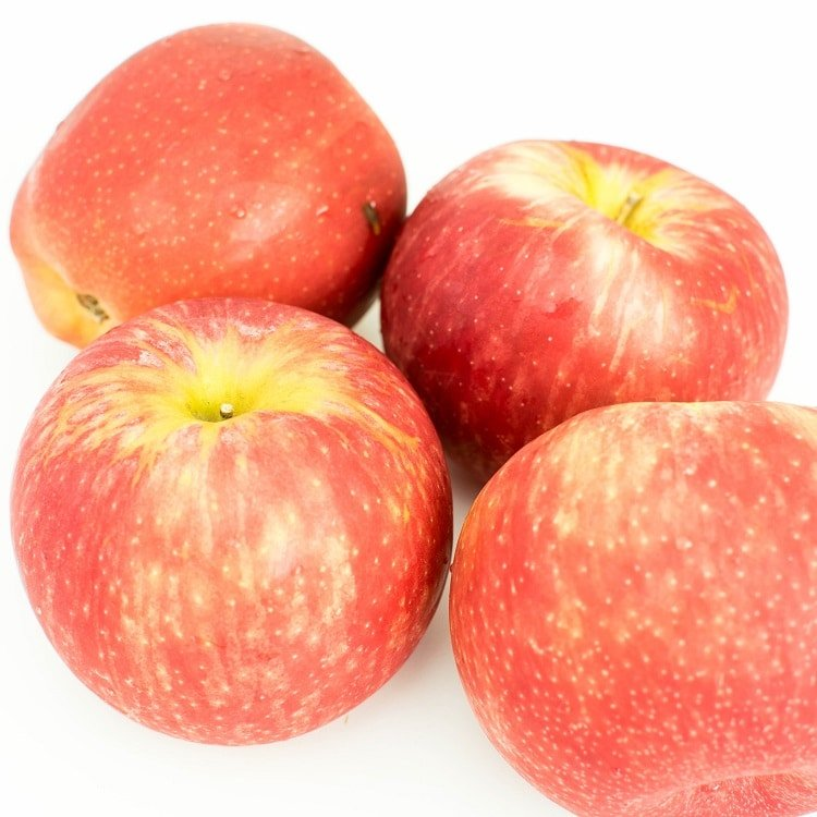 apples in their raw form