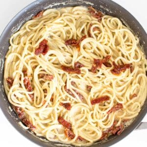 vegan carbonara in the pan ready to be served.