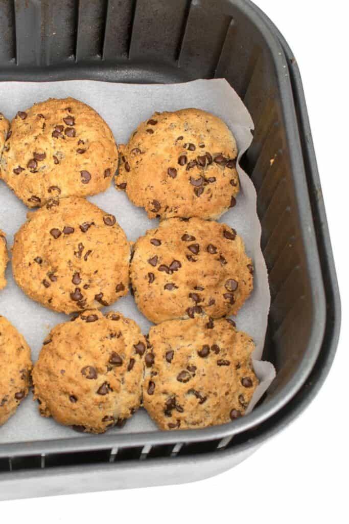 top view of air fryer cookies.